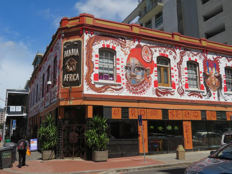 The few African restaurants in downtown Cape Town, such as Mama Africa, cater mainly to tourists.