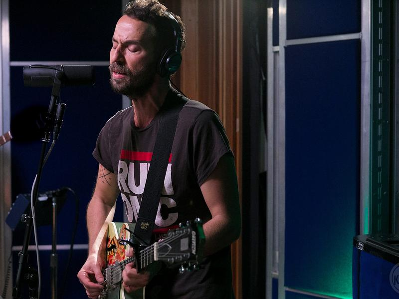 Mondo Cozmo performs live in the studio for KCRW.
