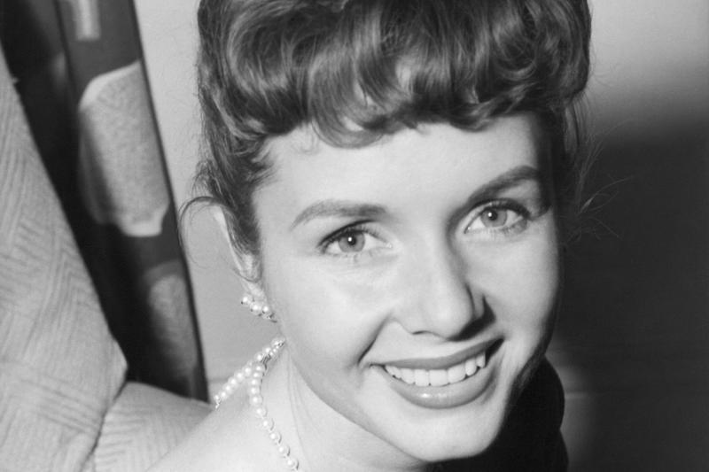 Debbie Reynolds in London in 1955. (Bob Dear/AP)
