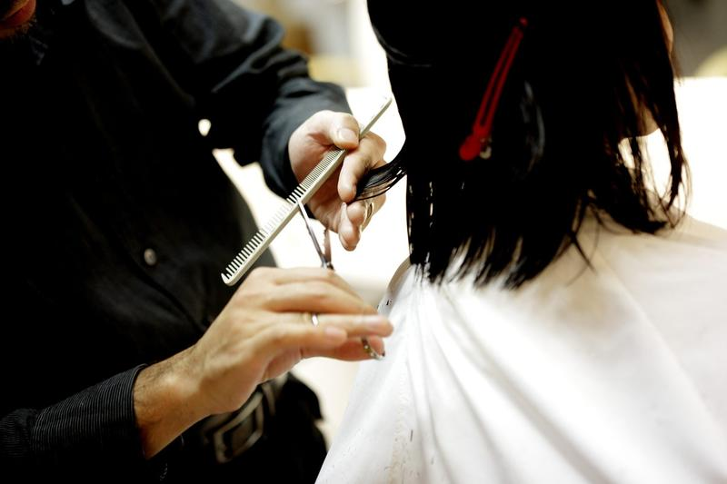 Effective with the new year, hairstylists and cosmetologists in Illinois must have formal training in recognizing domestic abuse. (Pixabay)