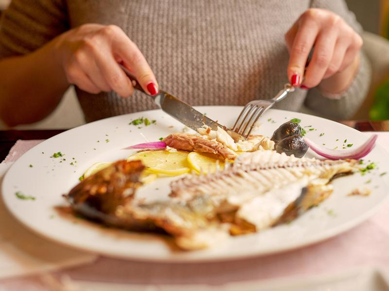 Concerns about mercury contamination have led many pregnant women to under-consume seafood. So the FDA issued a new chart explaining what to eat and what to avoid. But critics say it muddles matters.