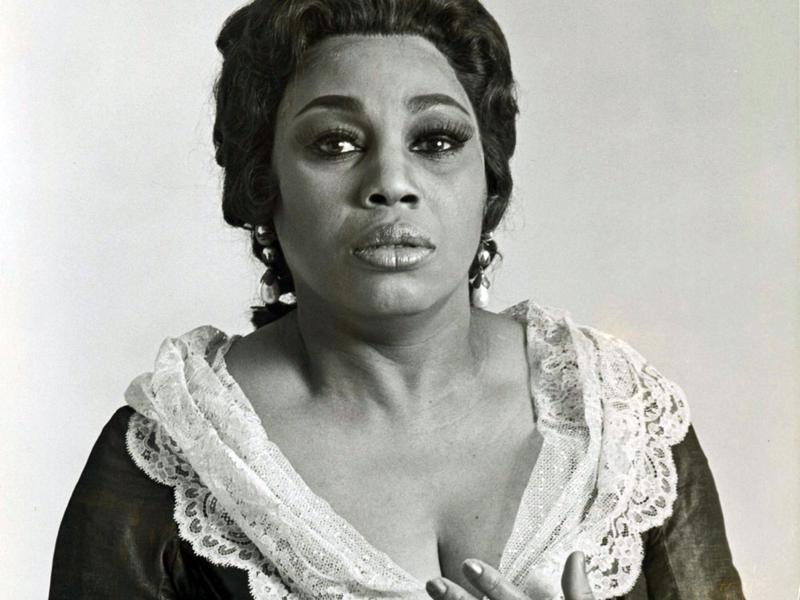 Leontyne Price as Leonore in a Metropolitan Opera production of Verdi's <em>La forza del destino</em>, 1977.