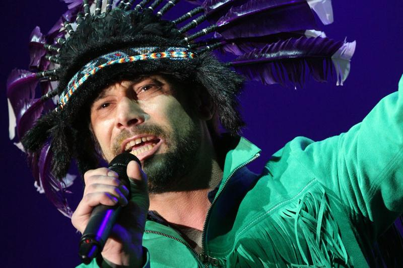 Jay Kay, lead singer of British band Jamiroquai, performing in 2011. (Eva Rinaldi/Flickr)