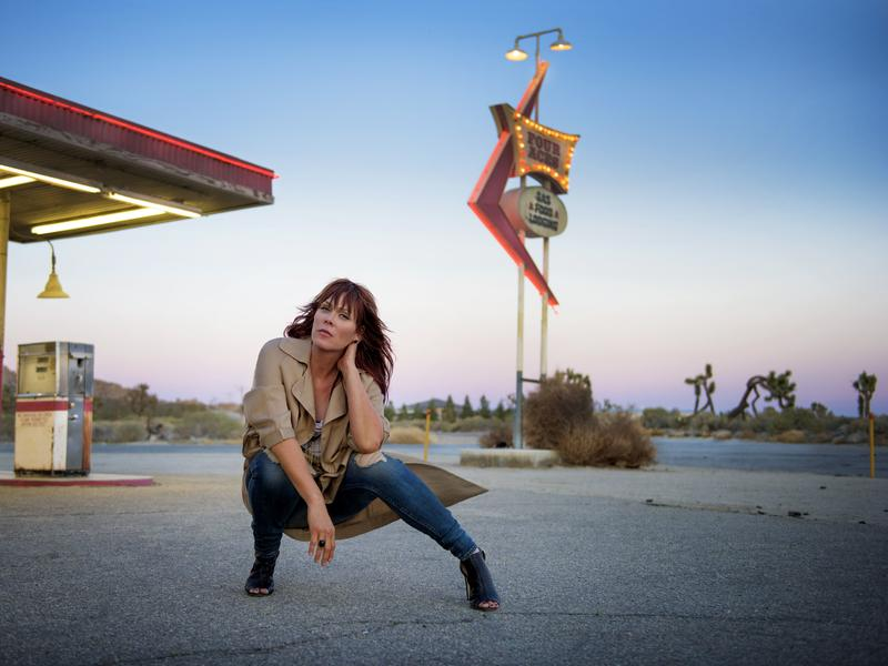 """""""Don't do it for the applause or anything else,"""" Beth Hart advises other artists. """"Just do it because you love it."""""""