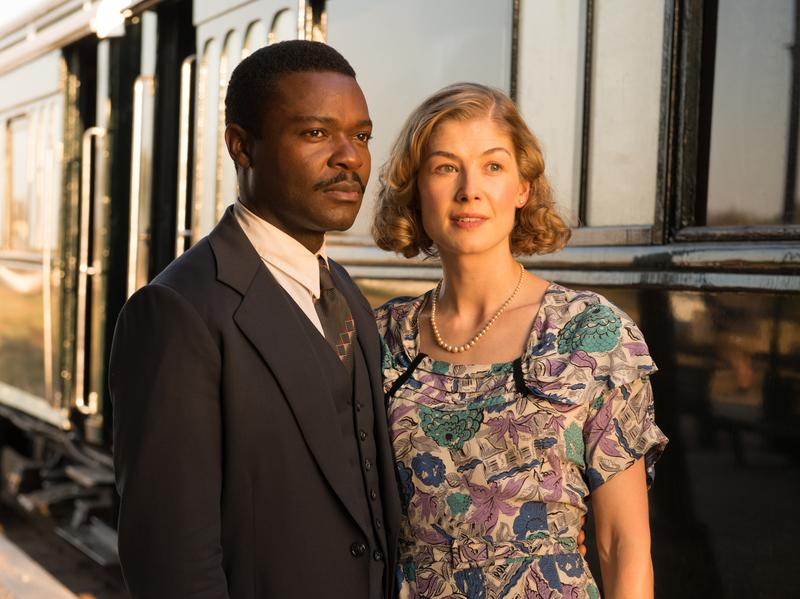 David Oyelowo and Rosamund Pike play real-life couple Seretse and Ruth Khama in <em>A United Kingdom</em>.