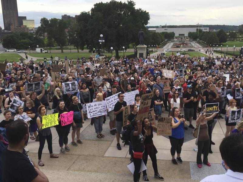 18 arrested protesting Minnesota cop's acquittal