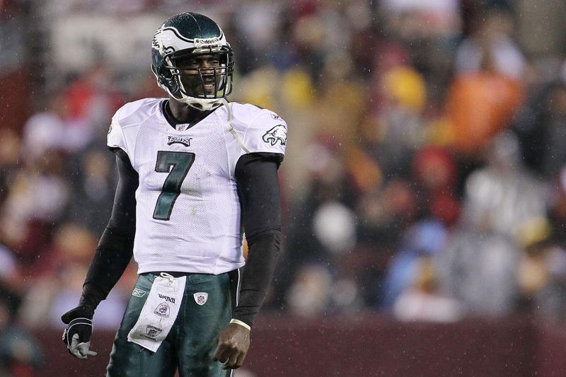 Michael Vick #7 of the Philadelphia Eagles waits for instructions against the Washington Redskins on November 15, 2010.