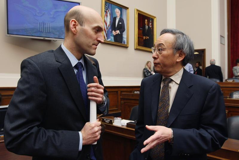 Energy Secretary Steven Chu talks with Nuclear Regulatory Commission Chairman Gregory Jaczko during a House Energy and Commerce Committee hearing on March 16, 2011.