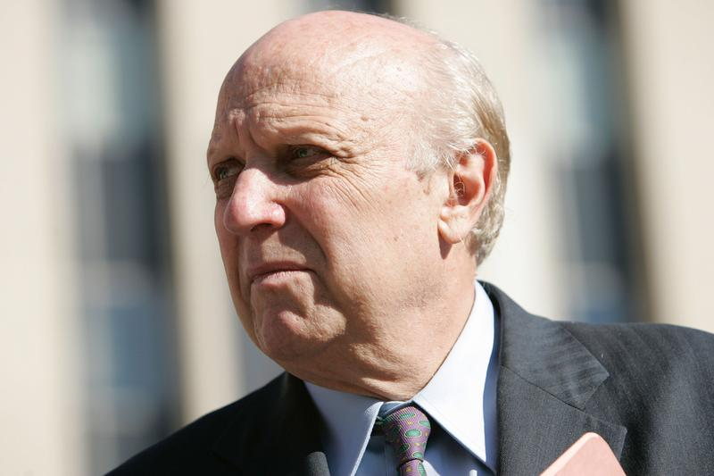 Floyd Abrams, a First Amendment expert.