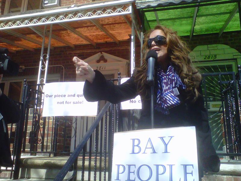 Blogger and activist Pamela Geller, who led the drive against Park 51, addresses opponents