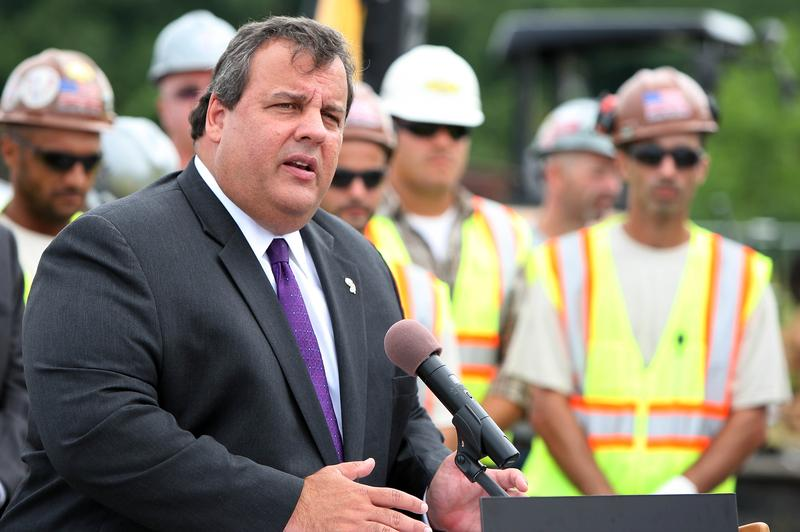 Gov. Christie at the groundbreaking of a PSE&G solar farm.