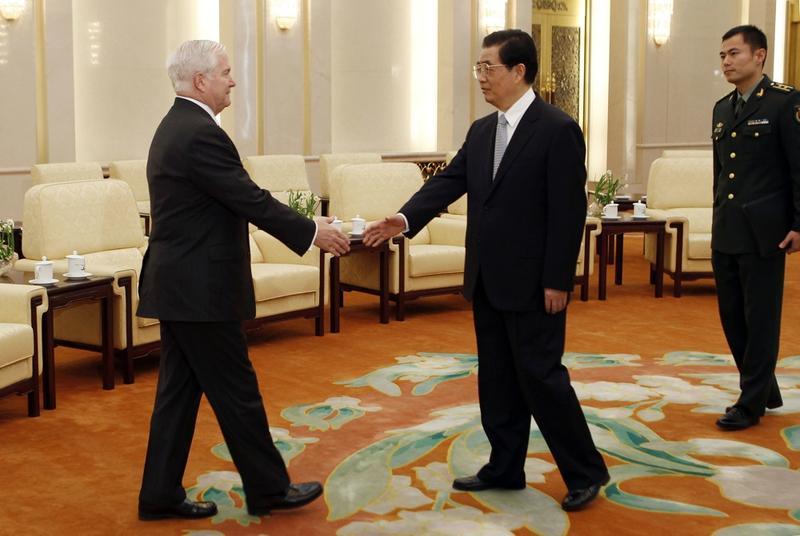 US Secretary of Defense Robert Gates meets with President Hu Jintao of China