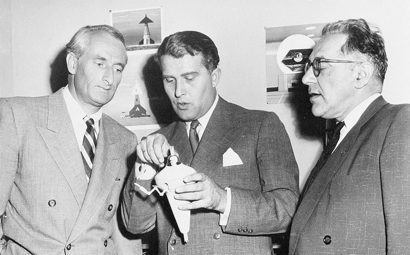 Dr. Wernher von Braun (center), Dr. Heinz Haber (left), and Willy Ley in 1954.