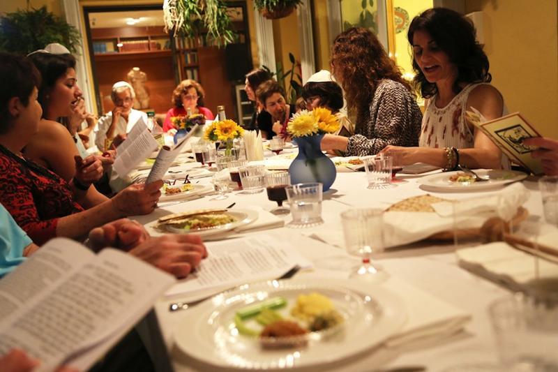 Verónica Zaragovia's family at Passover Seder in Miami