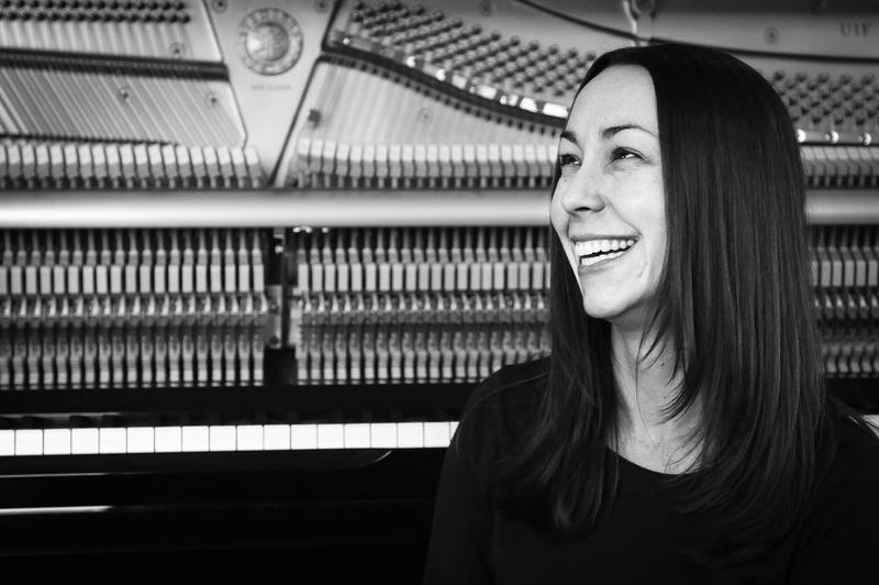 Pianist Holly Bowling