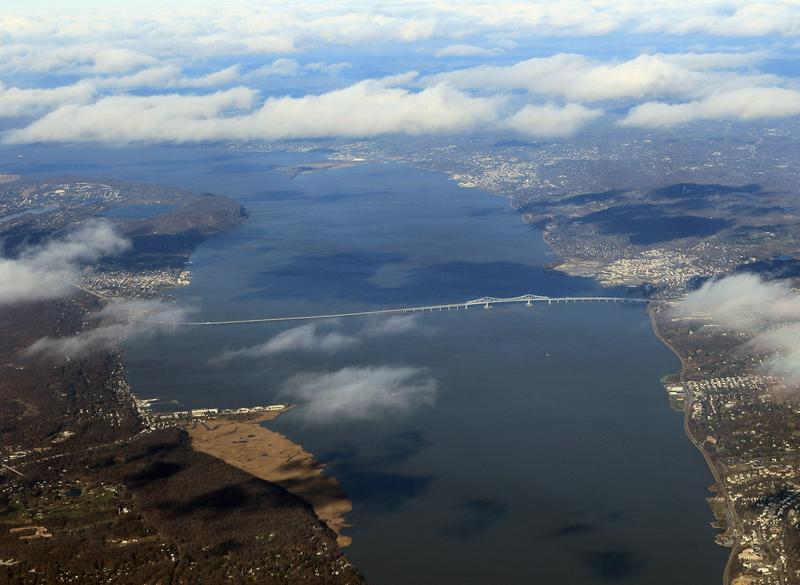 An aerial view of the existing Tappan Zee Bridge