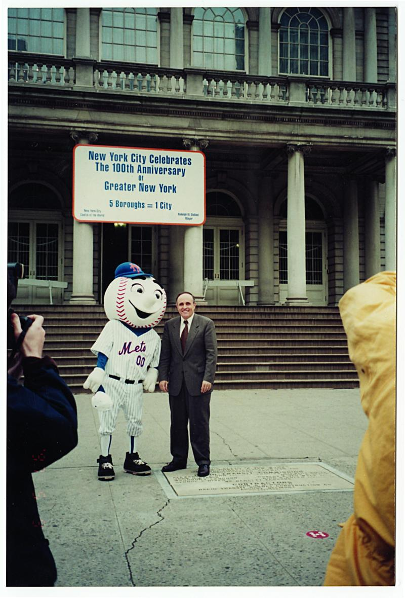 AJ Mass as Mr. Met, with New York City mayor and noted Yankee fan Rudy Giuliani in 1997.