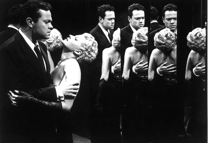 Orson Welles and Rita Hayworth in Welles' THE LADY FROM SHANGHAI (1948).