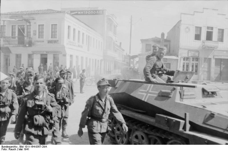 German soldiers enter Athens in 1941