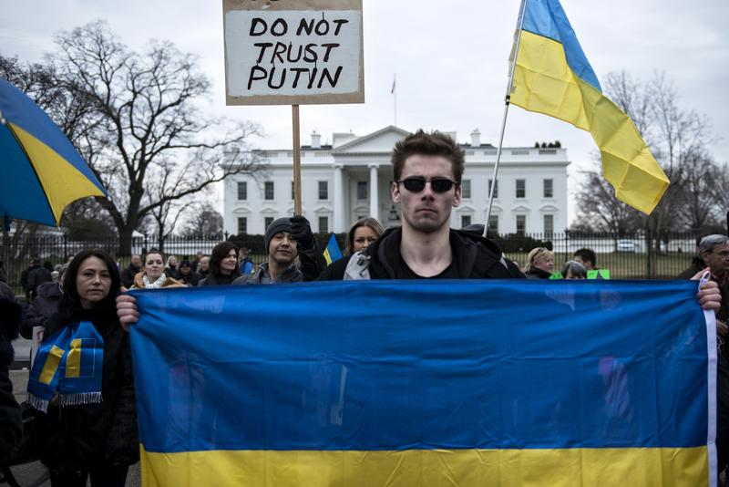 Ukrainian activists gather outside the White House on March 1, 2014 in Washington. Protesters gathered to rally against foreign involvement in the Ukrainian region of Crimea.