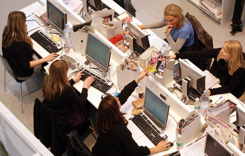 Are open plan offices or cubicles better for productivity?