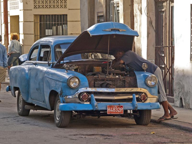 Car trouble in Havana