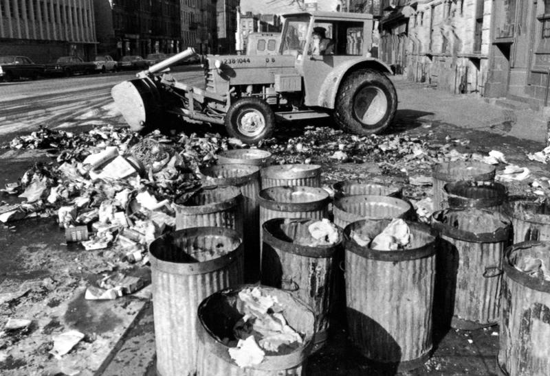 NEW YORK GARBAGE STRIKE. Empty garbage cans sit on a Harlem street in the Manhattan borough of New York, Feb. 11, 1968