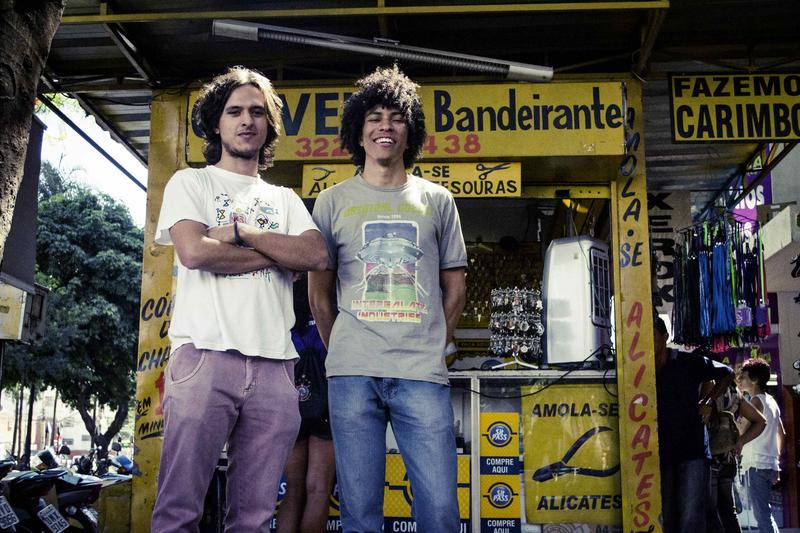 "The founding members of The Boogarins, Fernando Almeida and Benke Ferraz, recorded their first album ""As Plantas que Curam"" while still in high school, living with their parents in Goiânia."