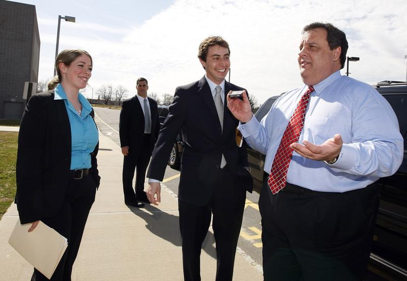 Chris Christie with aides