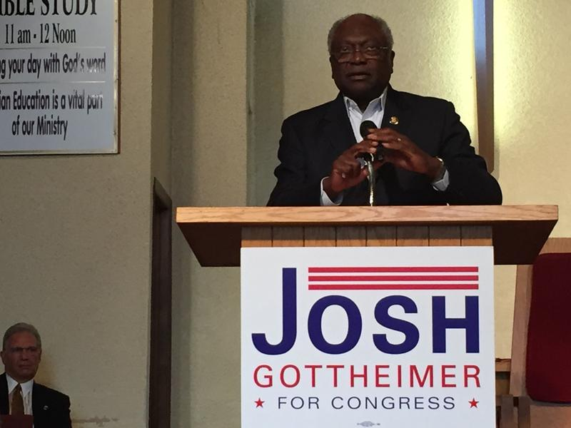 House Assistant Minority Leader Jim Clyburn speaks to Democrats in Hackensack on Tuesday.