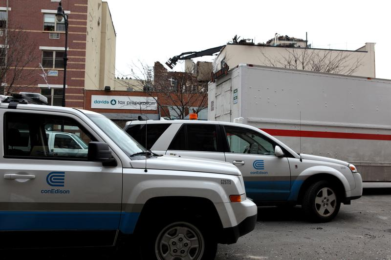 Con-Ed crews at site of gas explosion in East Harlem on March 13, 2014.