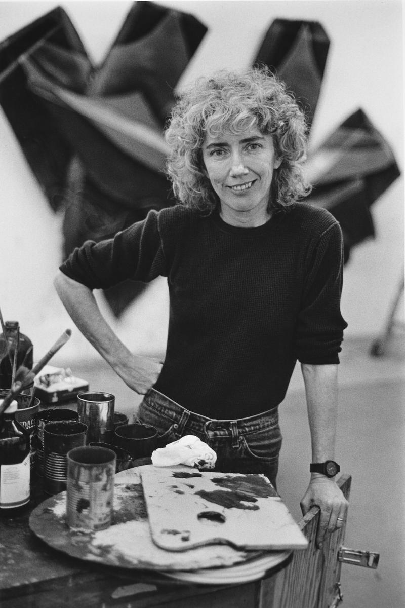 Artist Elizabeth Murray, subject of Kristi Zea's EVERYBODY KNOWS…ELIZABETH MURRAY. (Reprinted with permission from Courtesy of Taskovski Films.)