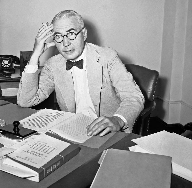 Radio Commentator Elmer Davis on June 17, 1942, as he dived into a study of the president's executive order setting up the new Office of War Information after taking the oath as head of the agency.