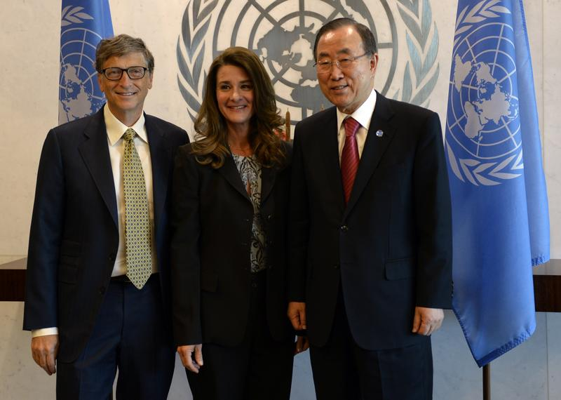 UN Secretary-General Ban Ki-moon(R) meets with Bill and Melinda Gates during the 68th session of the United Nations General Assembly at the United Nations in New York on September 25, 2013