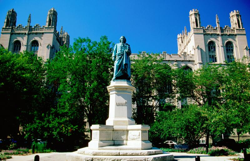 The Linne statue on the University of Chicago campus.