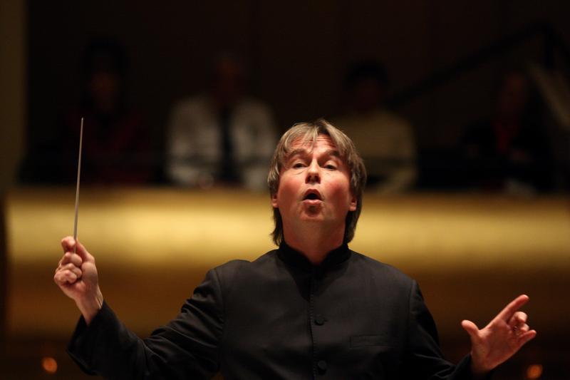 Esa-Pekka Salonen leading the Philharmonia Orchestra at Avery Fisher Hall on November 18, 2012.