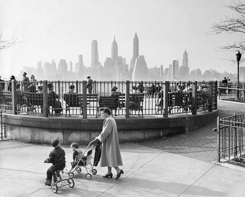 Brooklyn Heights promenade with view of lower Manhattan skyline in 1966.