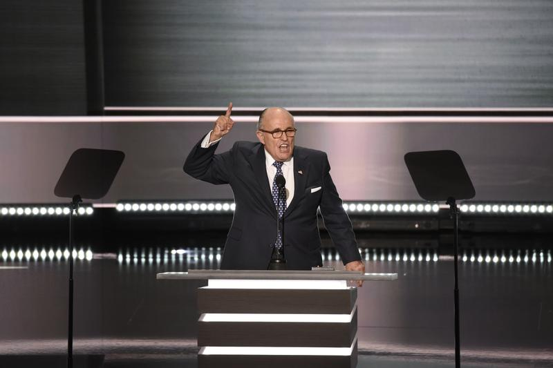 Giuliani hammers Clinton, pumps up crowd at RNC