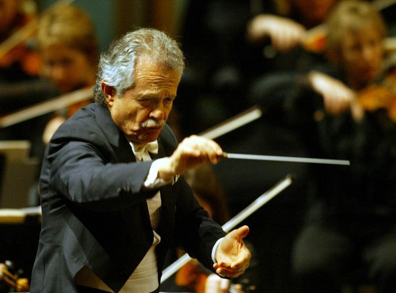 Jorge Mester conducting the Pasadena Symphony, April 19, 2003.
