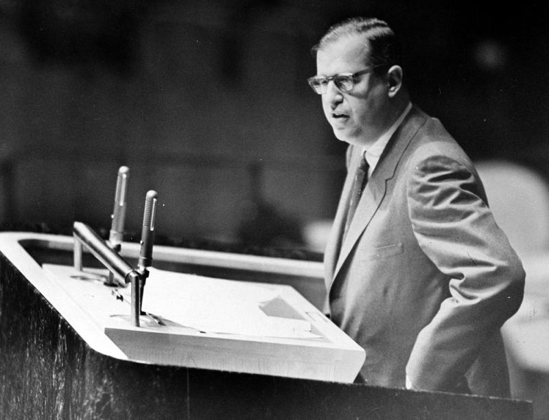 Israeli Foreign Minister Abba Eban speaking to the United Nations General Assembly, November 10, 1956.