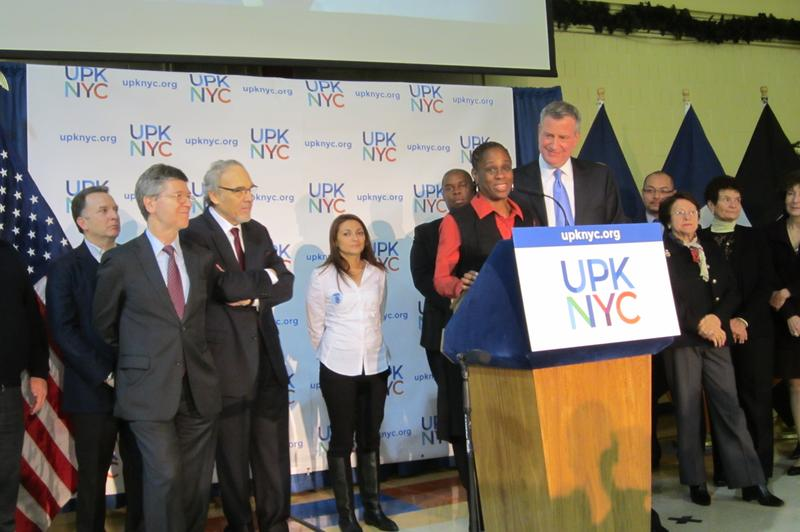 Bill de Blasio with his wife, Chirlane McCray, announcing the campaign for universal pre-kindergarten