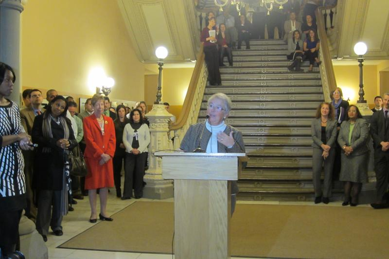 Chancellor Carmen Farina addressing hundreds of staffers at the Department of Education's headquarters