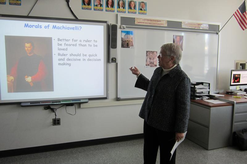 Carmen Fariña, in a Bronx middle school class about Machiavelli, sees an opportunity to explain leadership styles