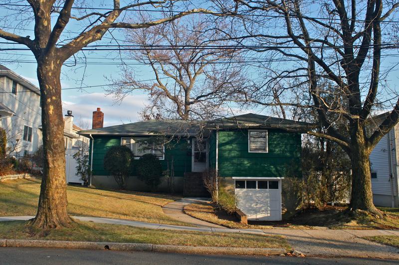 Quiet suburban streets in Staten Island.