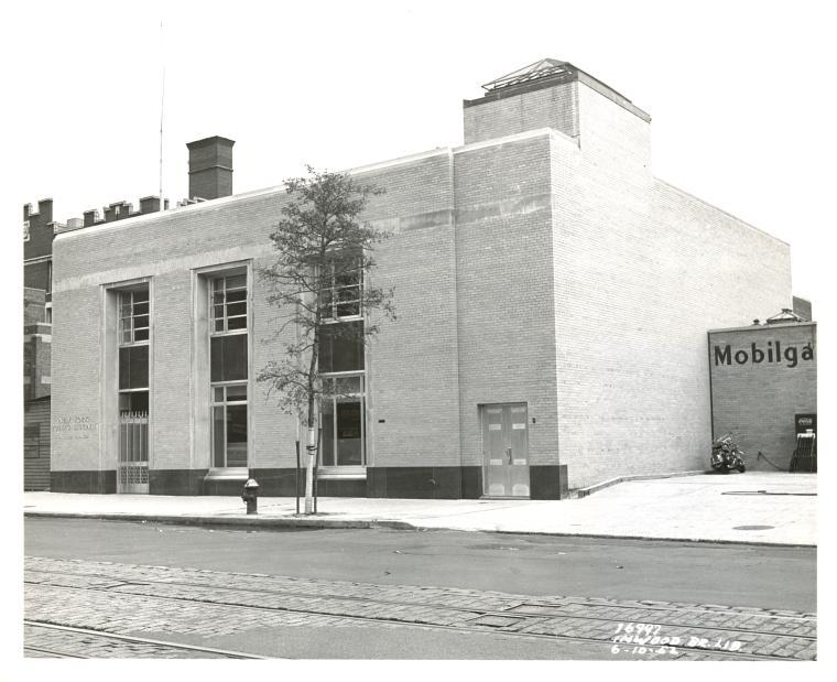 Inwood Branch of the NYPL in 1952.