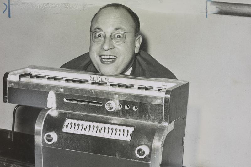 Jean Jacques Perrey and his Ondioline, November 15th, 1960.
