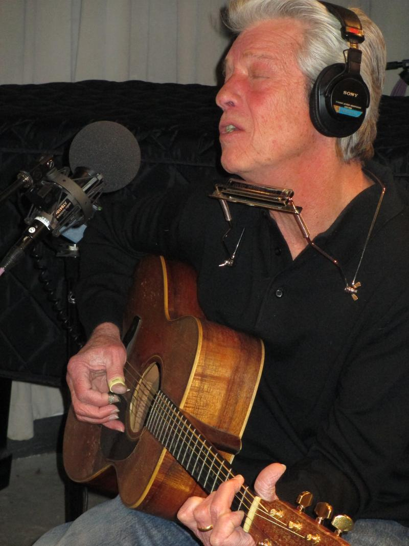 John Hammond performing at WNYC February 10, 2014.