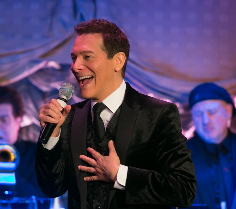 Michael Feinstein singing.