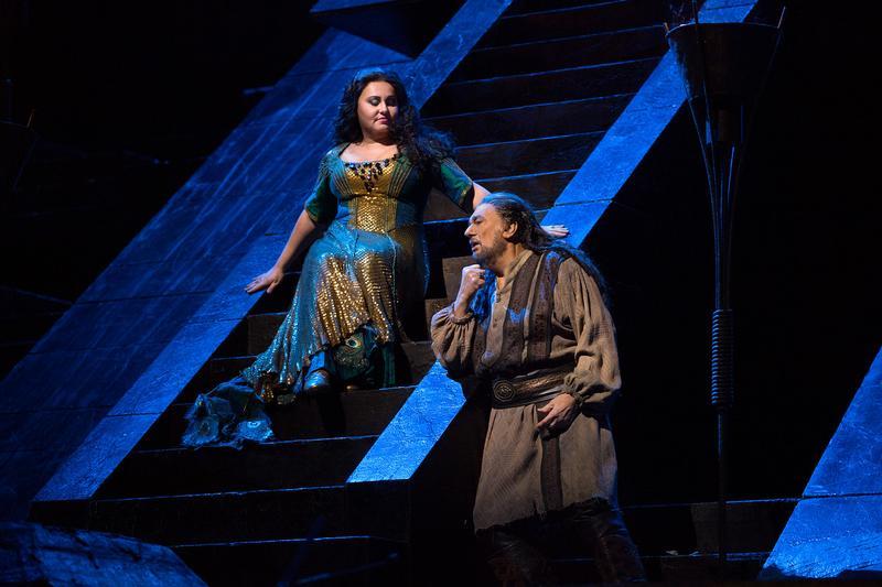 Liudmyla Monastyrska as Abigaille and Plácido Domingo as Nabucco