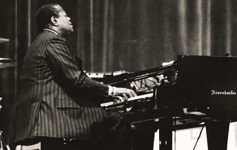 oscar peterson essay Miles davis, charles mingus, oscar peterson, dizzy gillespie, john coltrane, sarah vaughan, cannonball adderley, the modern jazz quartet, herbie mann, bill evans.